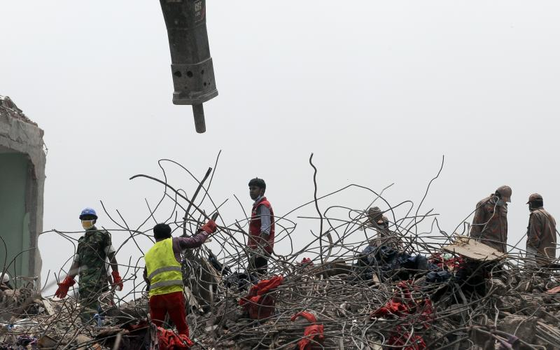 Bangladesh workers find survivor in factory rubble