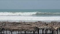 Raw: Pacific Swell Slams Mexico's Western Coast