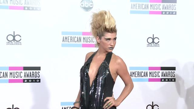 AMA 2010 Red Carpet Fashion Kesha