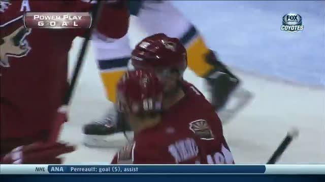 Shane Doan scores from Mike Ribeiro