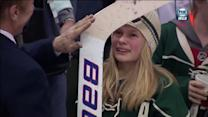 Bryzgalov gives young fan his goalie stick