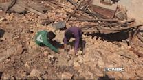 Rescuers struggle to reach Nepal's rural villages