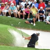 Johnson opens door to rivals at Tour Championship