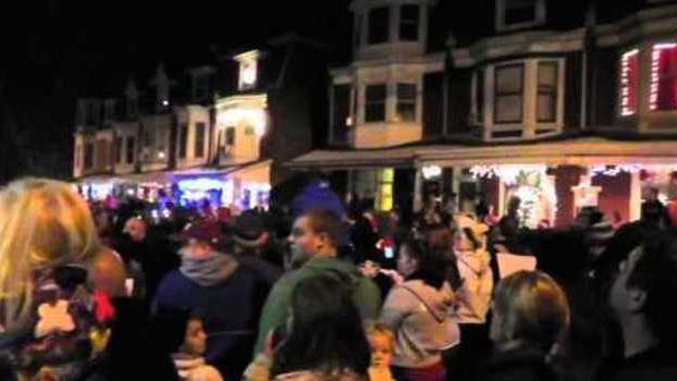 Thousands of Carolers Gather to Fulfill Girl's Dying Wish