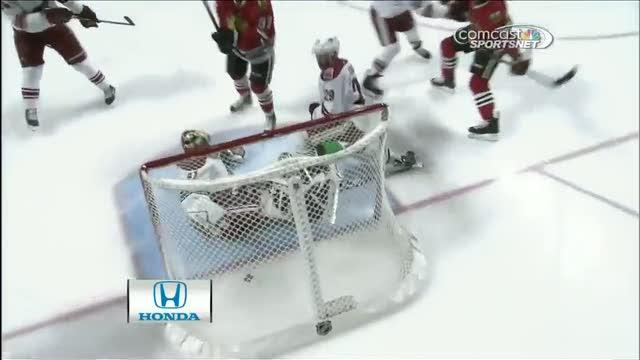 Brandon Saad scores on second attempt