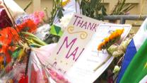 South Africans Gather to Pay Respects to Mandela
