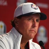 Mickelson revives 2004 Ryder Cup flap over Tiger flop