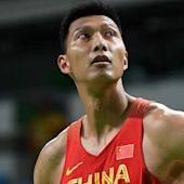 Lakers make signing of Chinese center Yi Jianlian official