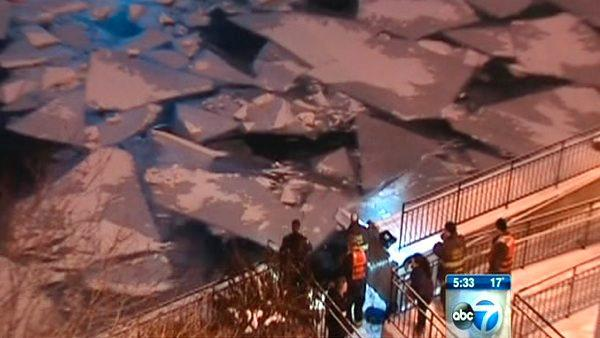 Woman, 30, dead in Chicago River fall ID'd