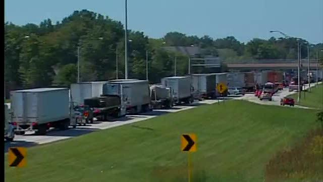 Noon: Traffic jammed up after worker struck and killed