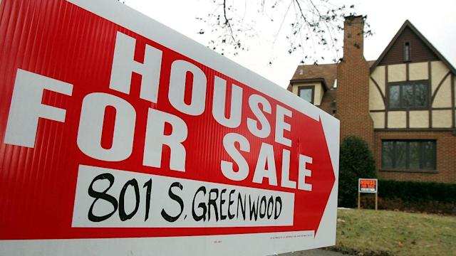 Mortgage Lending Drops to 14-Year Low