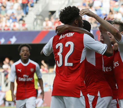 Akpom's late goal gives Arsenal 2-1 win over MLS All-Stars