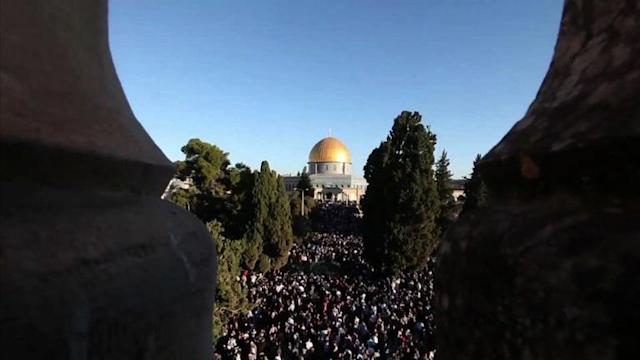 From Jerusalem to Gaza Palestinian perform Eid prayers