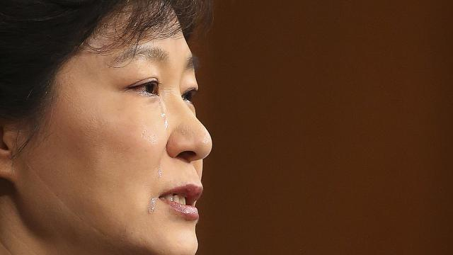 South Korea's Park formally apologises for ferry disaster