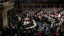 Boehner administers oath to House members
