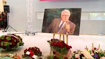 French former Socialist premier Pierre Mauroy honoured