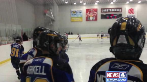 St. Louis youth hockey players stranded in Canada after United loses bags