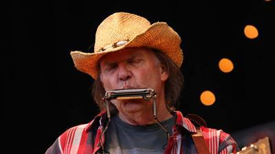 ShowBiz Minute: Neil Young, Perry, Box Office