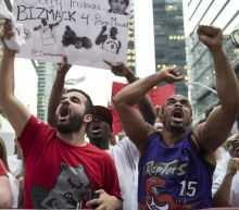 Raptors' dunk show gets fans going in Game 5 against Bucks