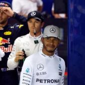 Bookmakers still betting on Hamilton for F1 title