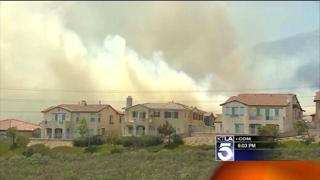 Hurricane Force Winds Fan 1,000 Wildfire in San Bernardino