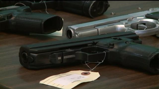 Quinn tightens rules in IL concealed carry bill