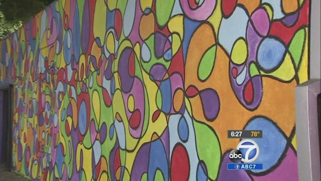 Volunteer artists beautify Lincoln Boulevard in Santa Monica