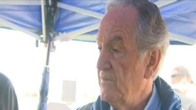 Harkin Talks Jobs At Steak Fry