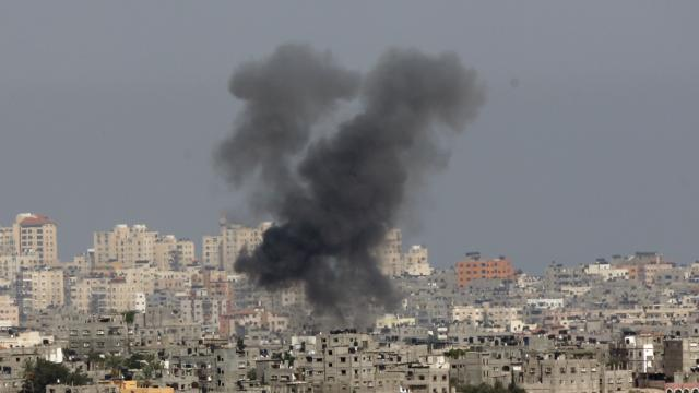 Raw: Militants, Israelis Exchange Rocket Fire