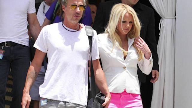 Britney Spears Has Cleavage Factor as she Arrives For Bootcamp