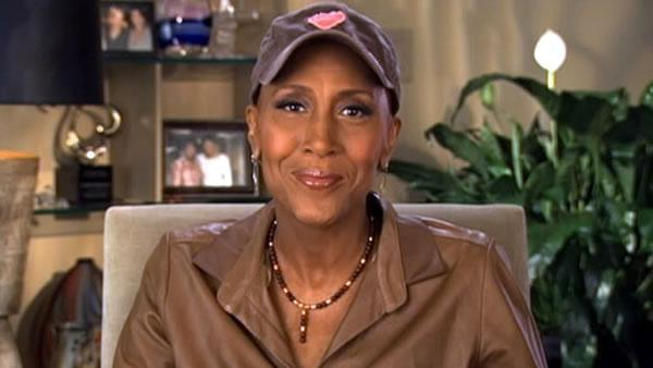 GMA's Robin Roberts helps kick off 'Day of Giving'