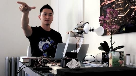 Robotic Arm Controlled by Leap Motion