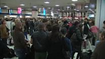 Travelers battle train troubles on Thanksgiving Eve