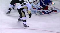 Kunitz backhands PPG past Lundqvist