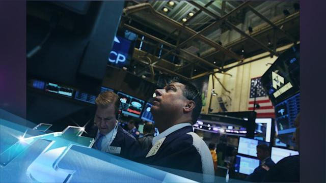 Stocks Move Lower, Despite Tech Advances