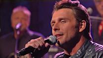 "Robby Johnson Performs ""South of Me"" on David Letterman"
