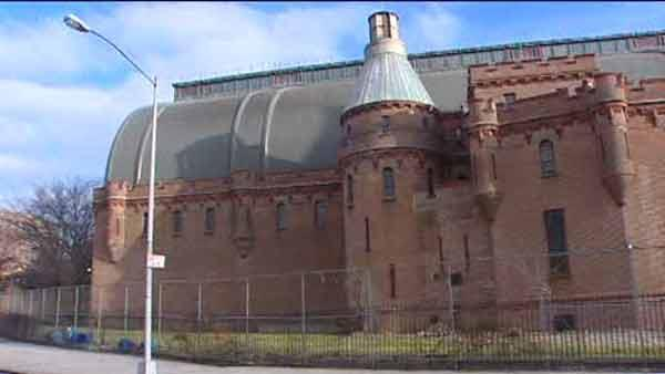 Kingsbridge Armory to be transformed into ice skating rink