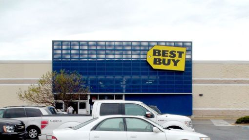 Best Buy Stock Jumps On Q2 Earnings Beat As Same-Store Sales Rise