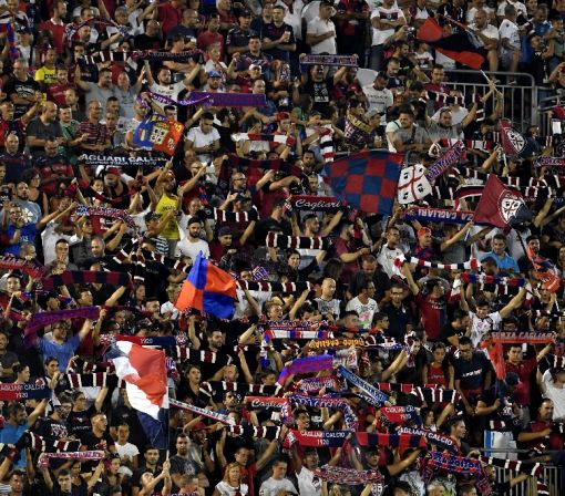 Cagliari come from two down to hold Roma